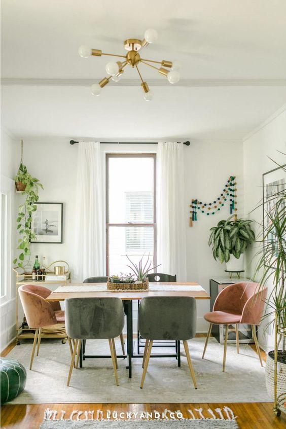 gain de place petite salle a manger exemple chaises et fauteuils pour décorer
