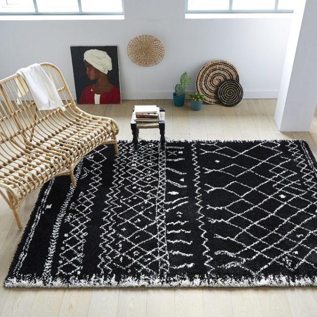 maison responsable decoration durable la redoute tapis berbère noir motif blanc fabrication locale