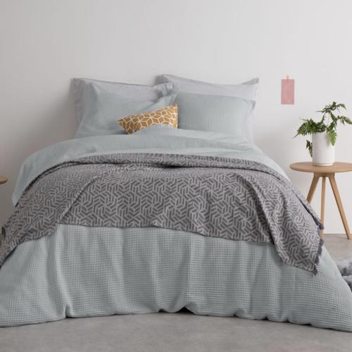 ou trouver accessoire deco minimaliste chambre vert gris moderne