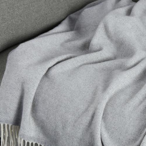 ou trouver accessoire deco minimaliste chambre plaid gris tout doux