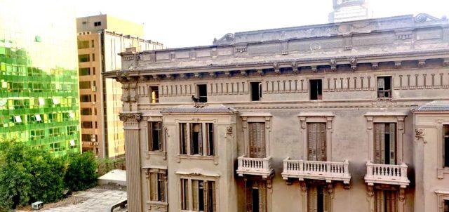 patrimoine 19e Caire détail façade architecture classique haussmanienne mauvais etat