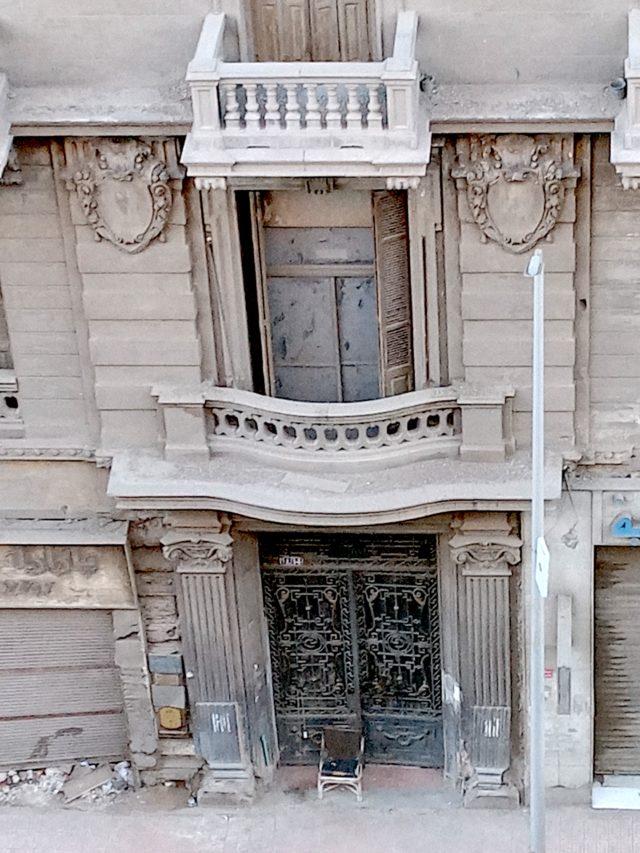 patrimoine 19e Caire détail façade architecture classique haussmanienne balcon