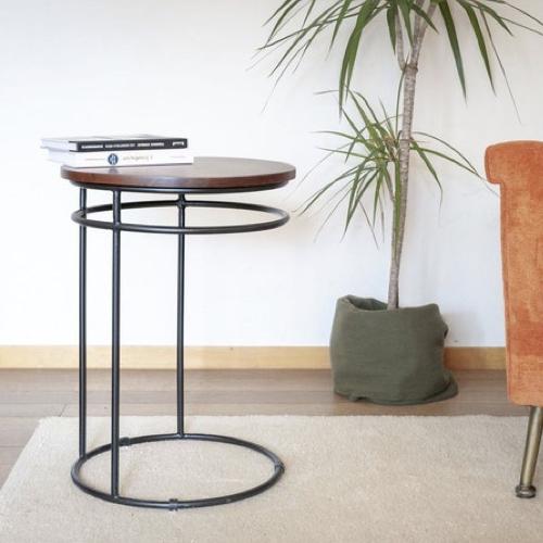 bout de canape pratique exemple tablette repas rond bois et métal décoration confort salon