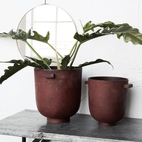 cache pot plante a poser decoration design moderne forme organique bordeaux terre cuite foncée