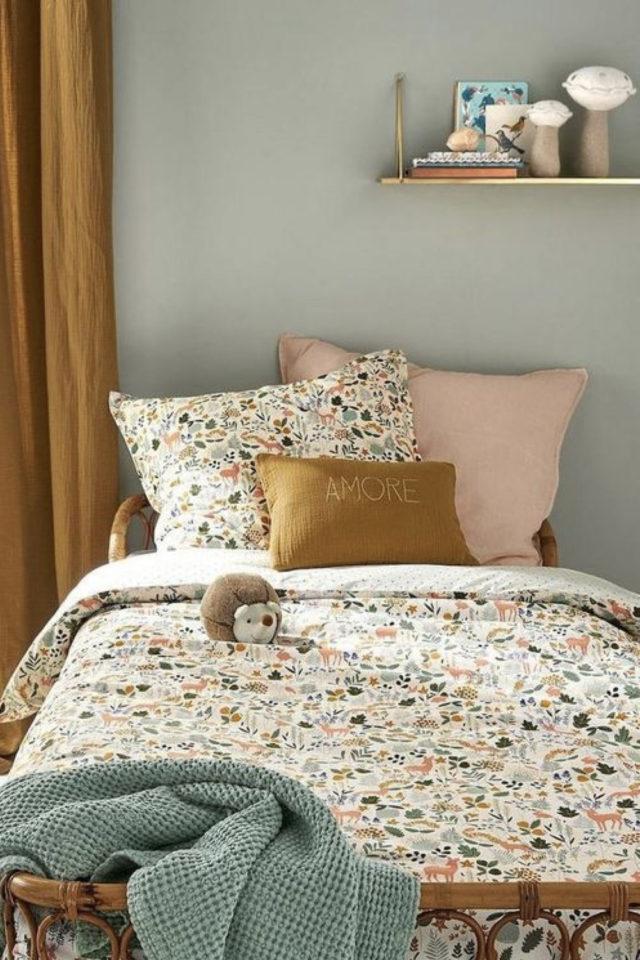 chambre enfant couleur classique exemple vert d'eau céladon calme reposante linge de lit liberty