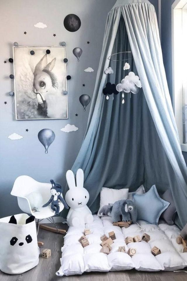 chambre enfant couleur classique exemple espace jeu ciel de lit bleu clair