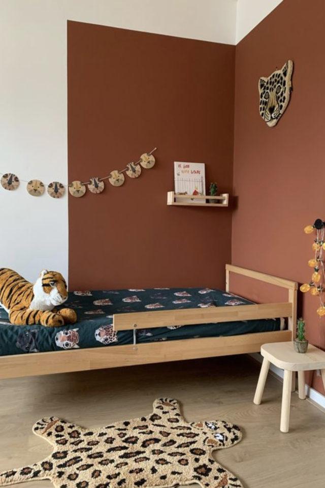 chambre enfant couleur moderne exemple peinture terracotta terre cuite marron