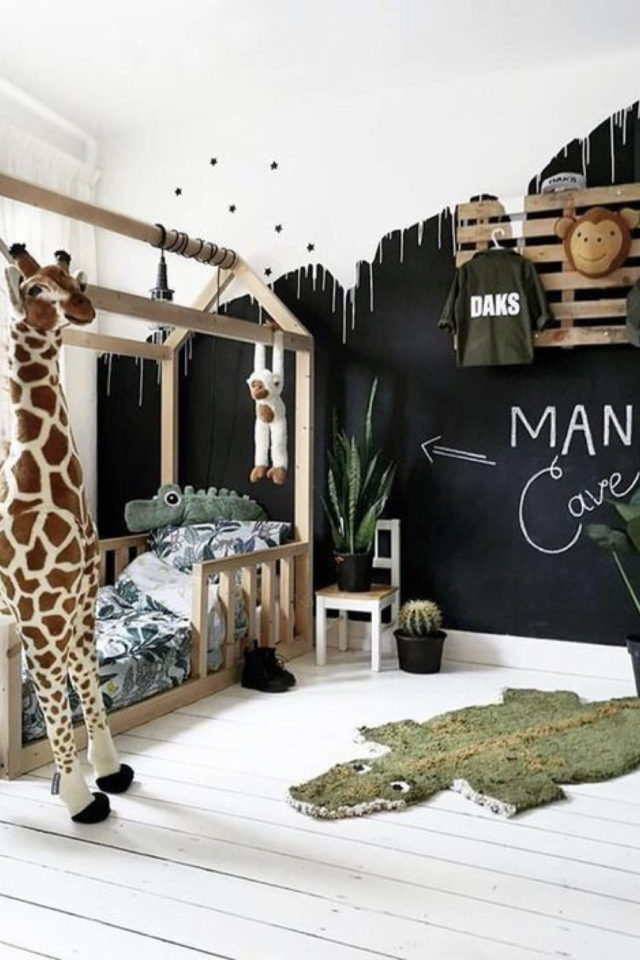 chambre enfant couleur neutre exemple noir blanc lit cabane jungle