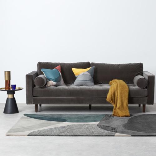 deco et meuble style masculin salon tapis beige gris bleu canard motif abstrait
