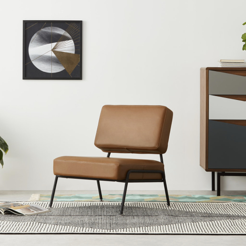 deco et meuble style masculin salon petit fauteuil épuré cuir et bas
