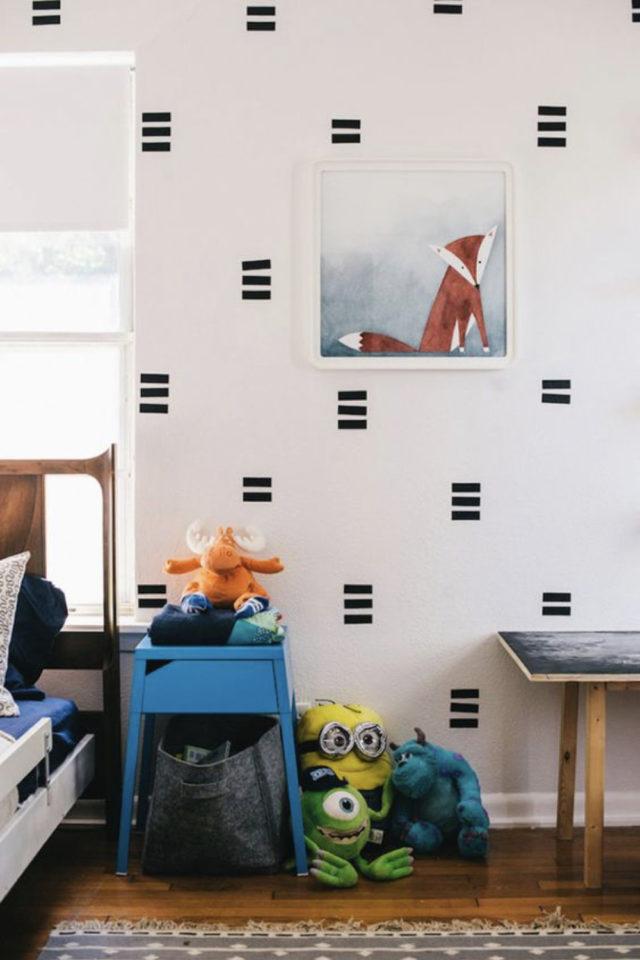 deco murale pas cher masking tape exemple alternative papier peint mur blanc facile à faire chambre enfant salon séjour cuisine entrée