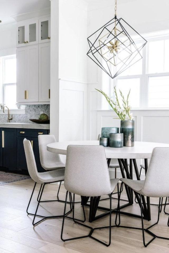 deco pas cher chaise cuisine table ronde chaise scandinave tissus gris beige clair neutre