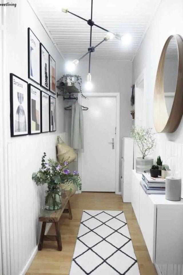 decor mural pas cher exemple 1couloir entrée mur cadres affiche miroir simplicité moderne