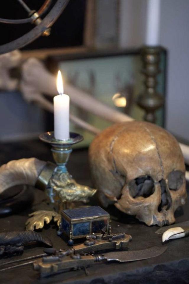 decoration style rock memento mori crâne bougie symbole impermanence