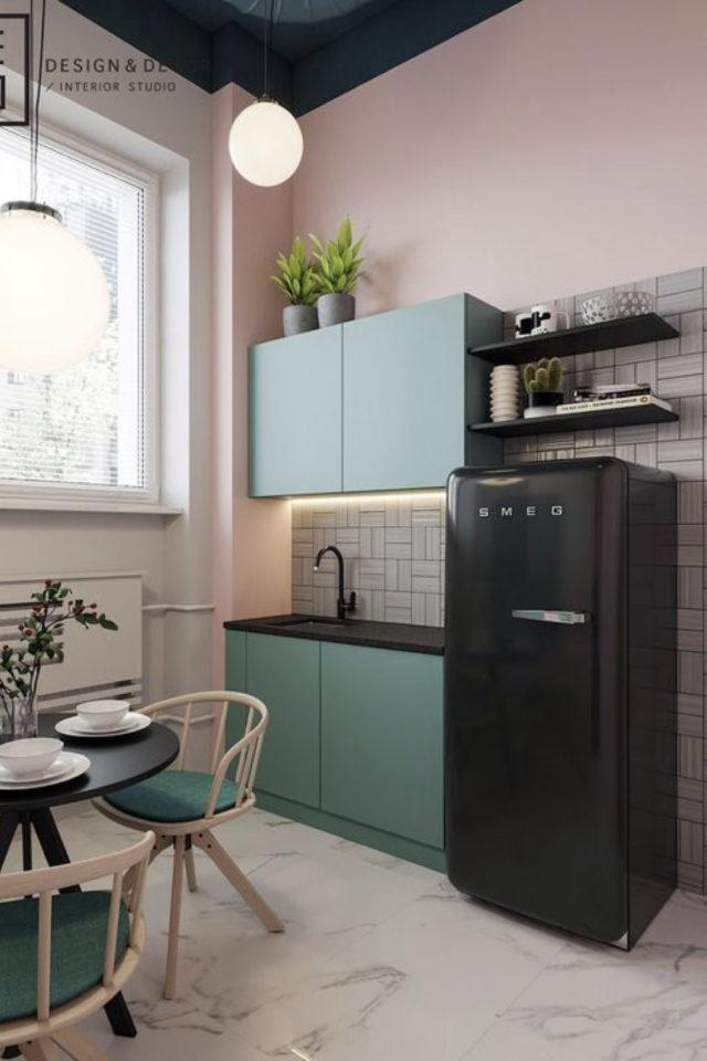 exemple choix couleur petite cuisine vert sauge et mur rose frais et féminin