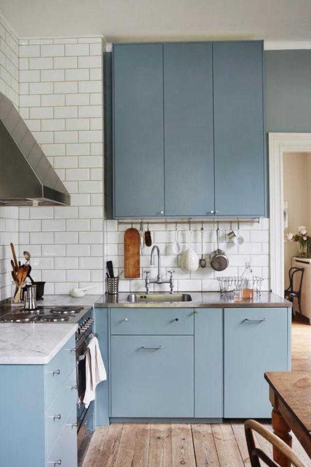 exemple choix couleur petite cuisine bleu tendre façade moderne