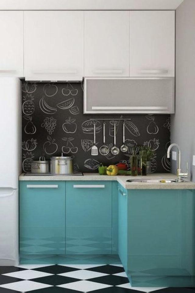 exemple choix couleur petite cuisine vert acidulé dynamique crédence noir moderne et jeune