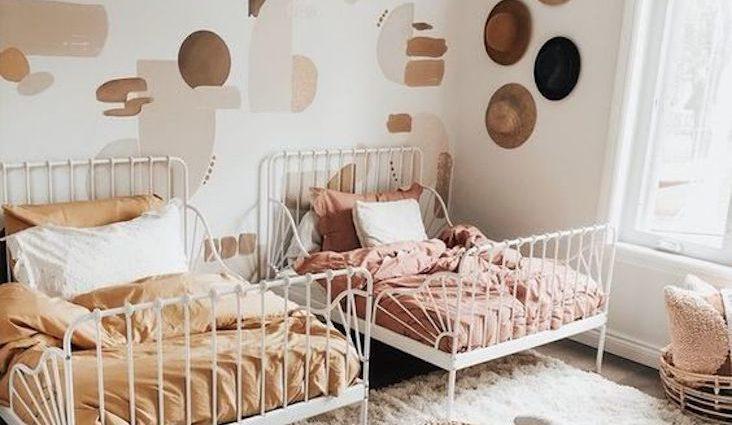 exemple couleur chambre enfant moderne tendance douce enveloppante calme petit espace lit