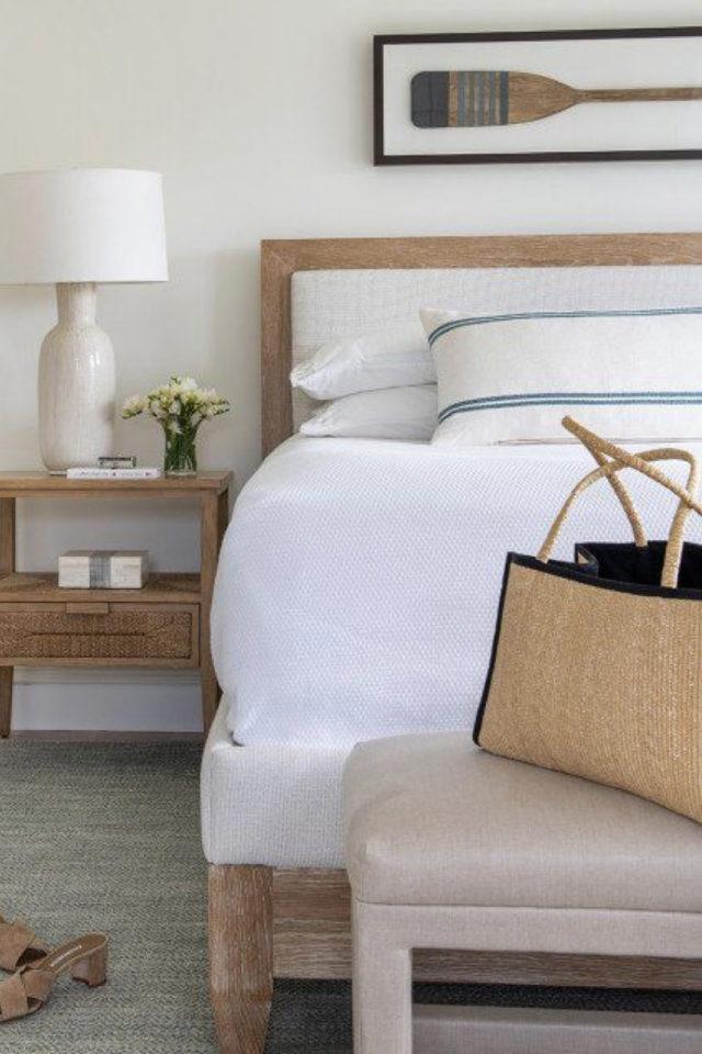exemple deco chambre bord de mer décor simple bois et blanc gamme naturelle