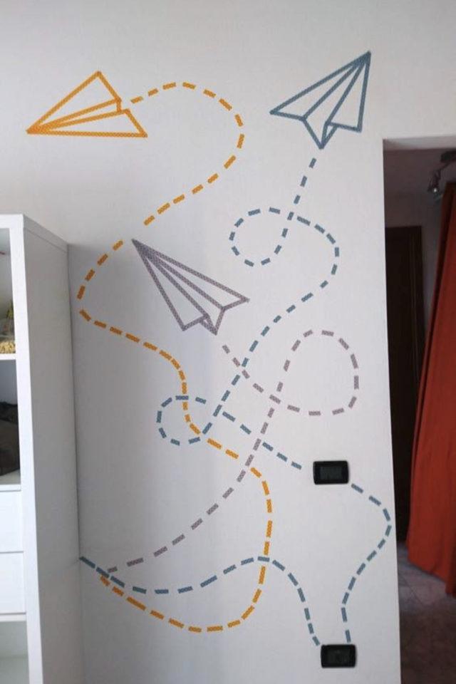 exemple deco masking tape pas cher symbole voyage avion papier facile couleur bureau espace de travail télétravail