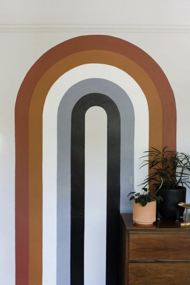 exemple peinture murale originale arche arc en ciel couleur et style années 70