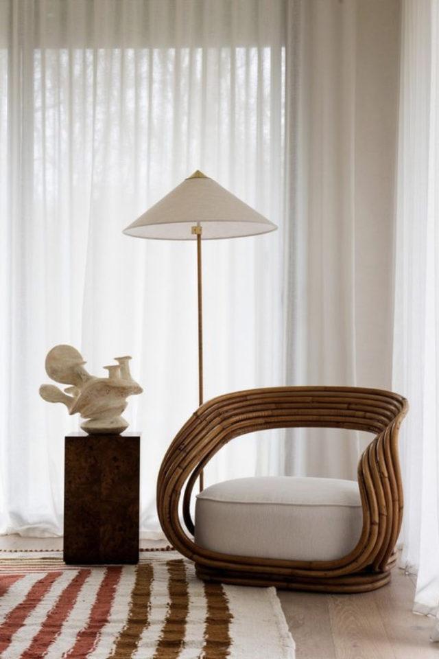 interieur fauteuil design courbes bois et tissus pièce exception