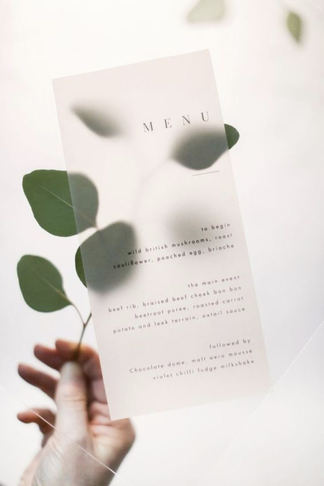 menu mariage design minimaliste exemple feuille transparence opaque translucide typographie élégante