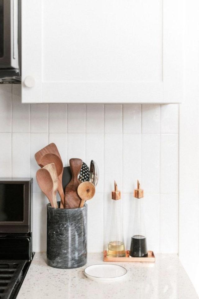 mise en scene deco cuisine blanche et moderne ambiance slow