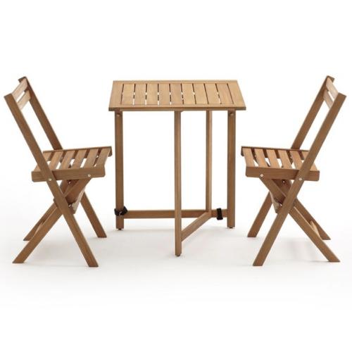 mobilier petit balcon exemple table bois et chaises pliantes