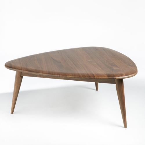 mobilier salon style masculin table basse forme organique noyer bois sombre petit modèle