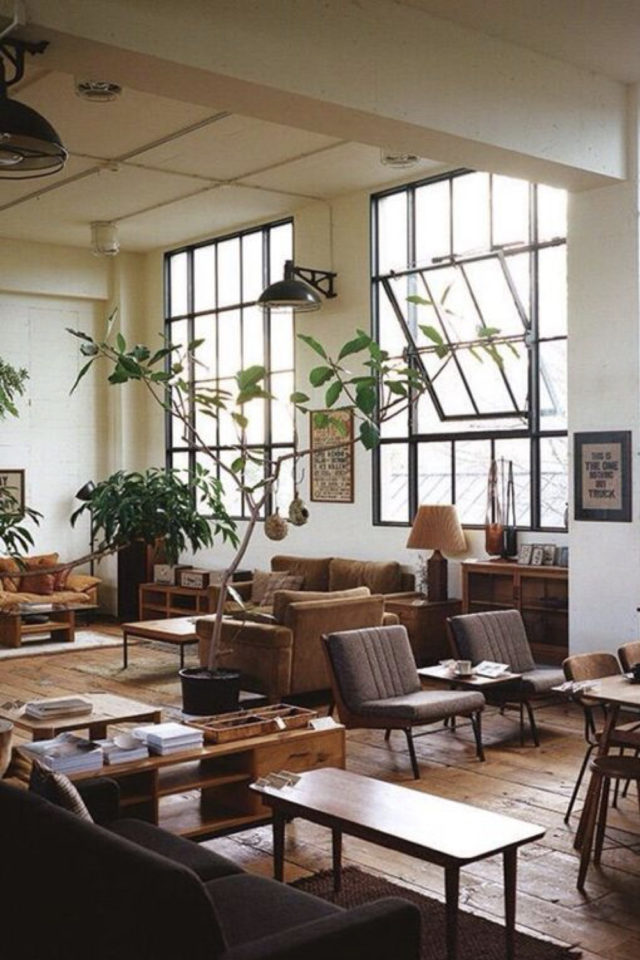 salon decoration style masculin exemple esprit loft grande verrière atelier
