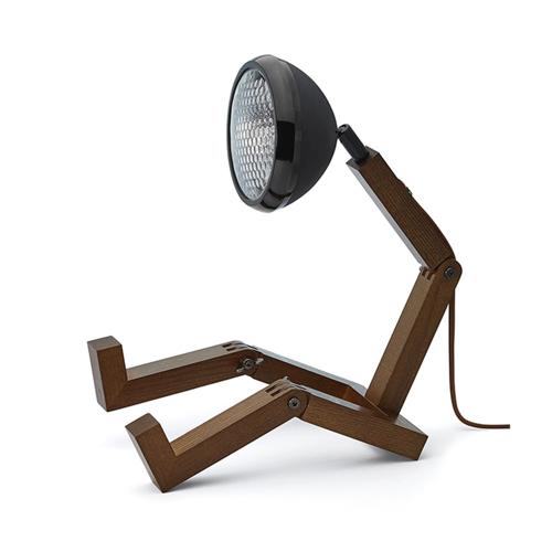 accessoire decoration masculine chambre lampe à poser table de chevet bonhomme bois métal simple