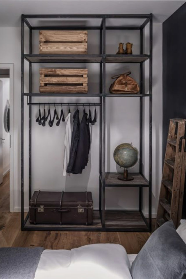 chambre a coucher style masculin exemple penderie vestiaire métallique métal noir industriel sobre