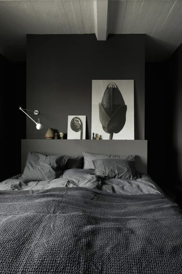 chambre a coucher style masculin exemple peinture grise tête de lit cadre noir et blanc parure de lit gris
