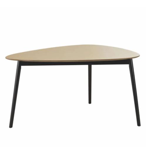 choisir table coin repas forme triangle organique bois et métal moderne
