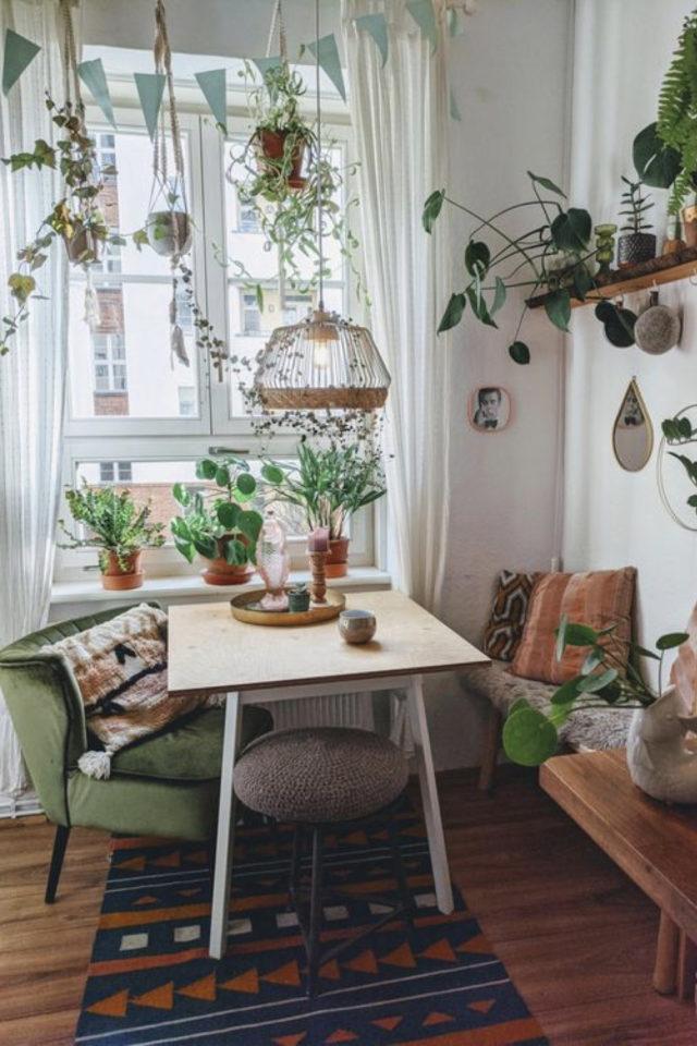 exemple coin repas choix table rectangulaire petite banquette fenêtre plante séjour salle à manger cuisine salon