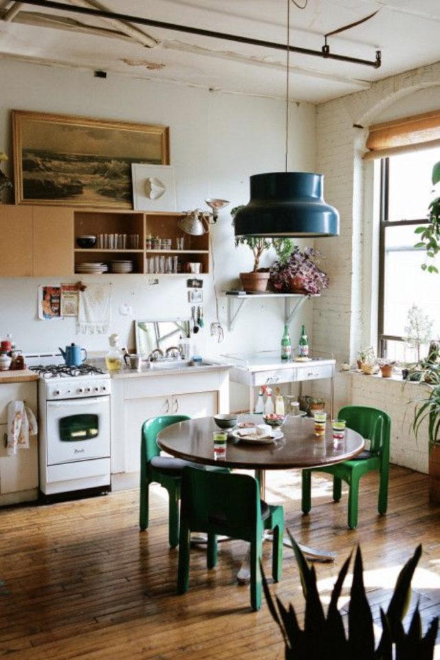 exemple coin repas choix table ronde 3 à 4 personnes cuisine ouverte séjour