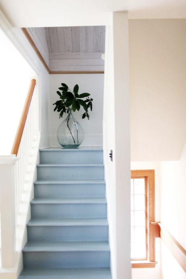 marche escalier peinture exemple bleu pastel douceur fraicheur