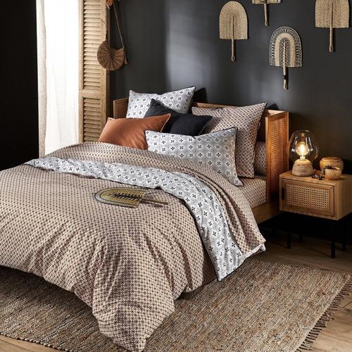 mobilier cannage tendance pas cher lit avec tête de lit élégant chambre adulte