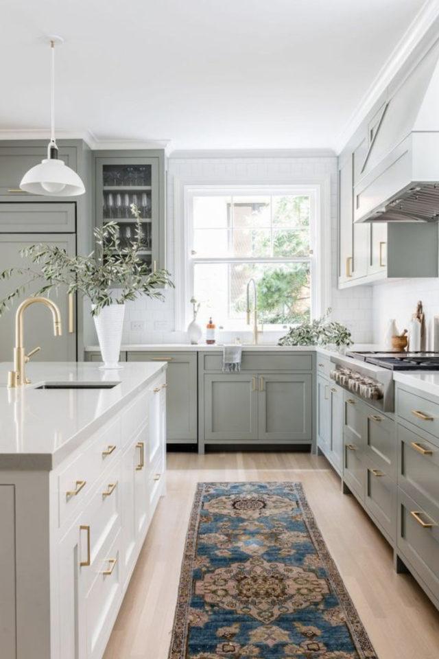 solution cuisine trop sombre meuble couleur vert ,nature vitrine fenetre aménagement agencement