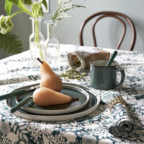 tendance campagne chic pas cher nappe imprimé floral blanc et bleu vert paon