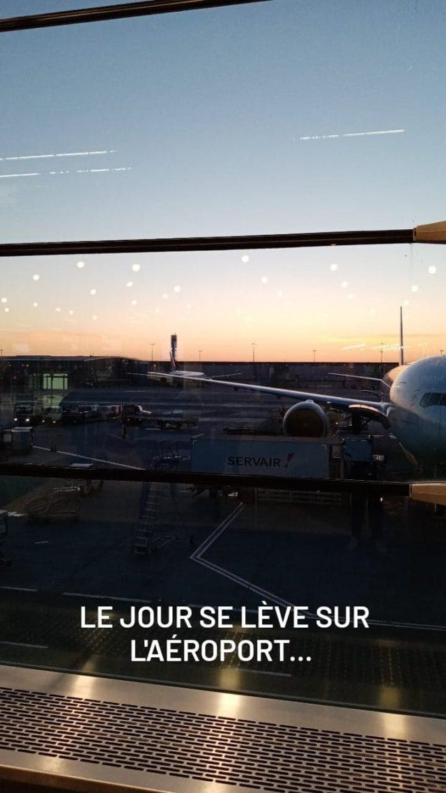voyager nomade paris aeroport transit escale lever soleil avion