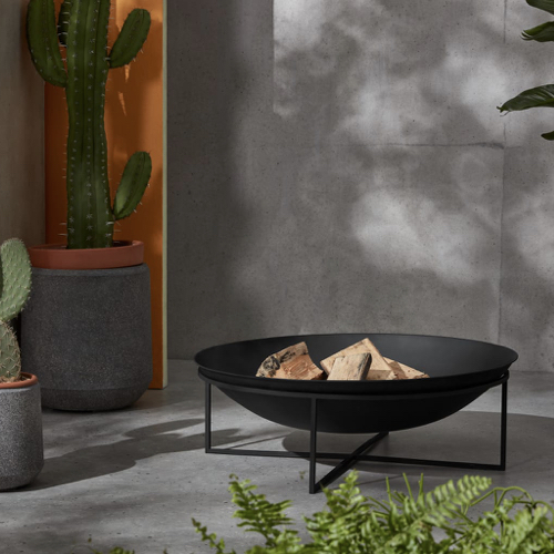 accessoire deco jardin moderne brasero tendance noir sur pied
