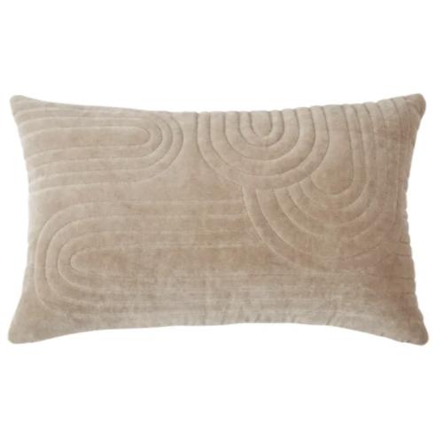 accessoire deco plus chaleureuse minimaliste slow housse de coussin en velours motifs discrets