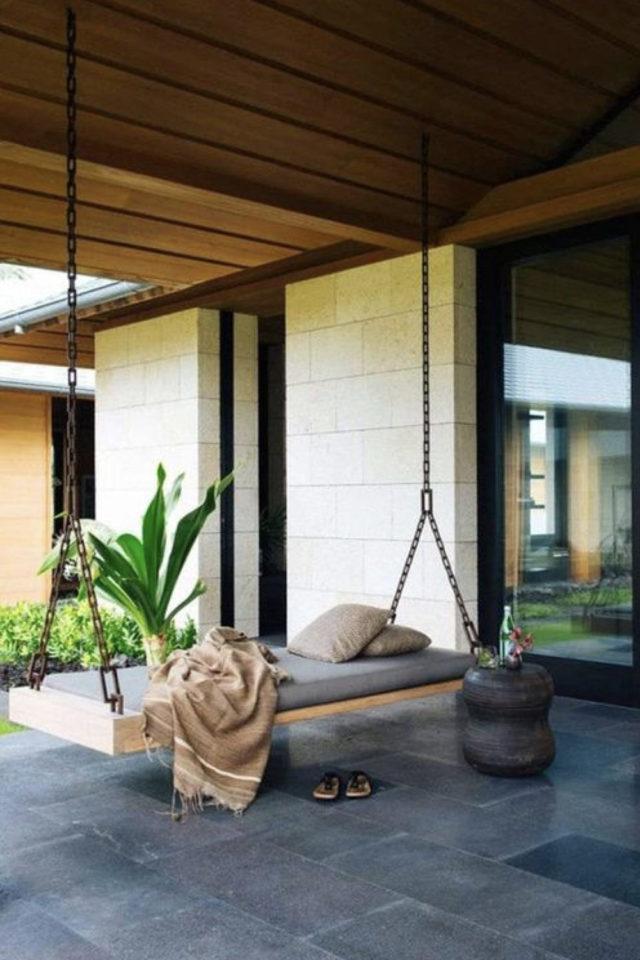 amenagement jardin ete sieste lit suspendu balançoire terrasse