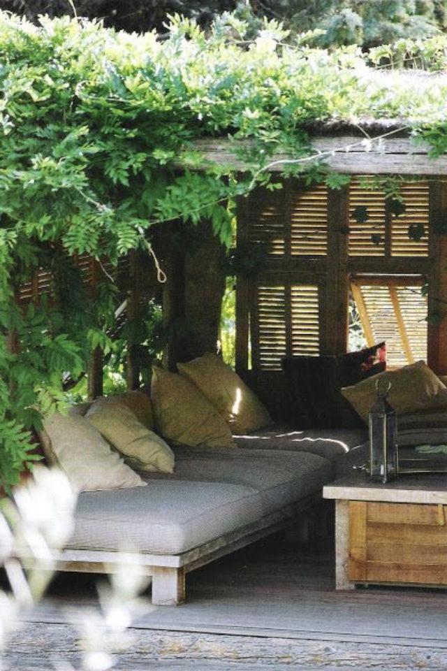 amenagement jardin ete sieste canapé patio pergola