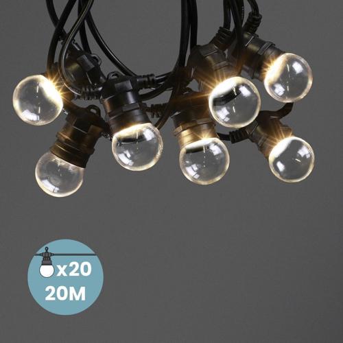 balcon cosy confort idee guirlande extérieure style guinguette ampoule