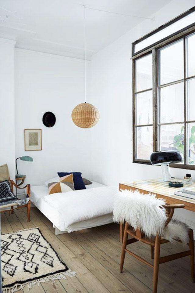 bien chez soi bureau chambre exemple prolongement du lit espace sommeil en longueur