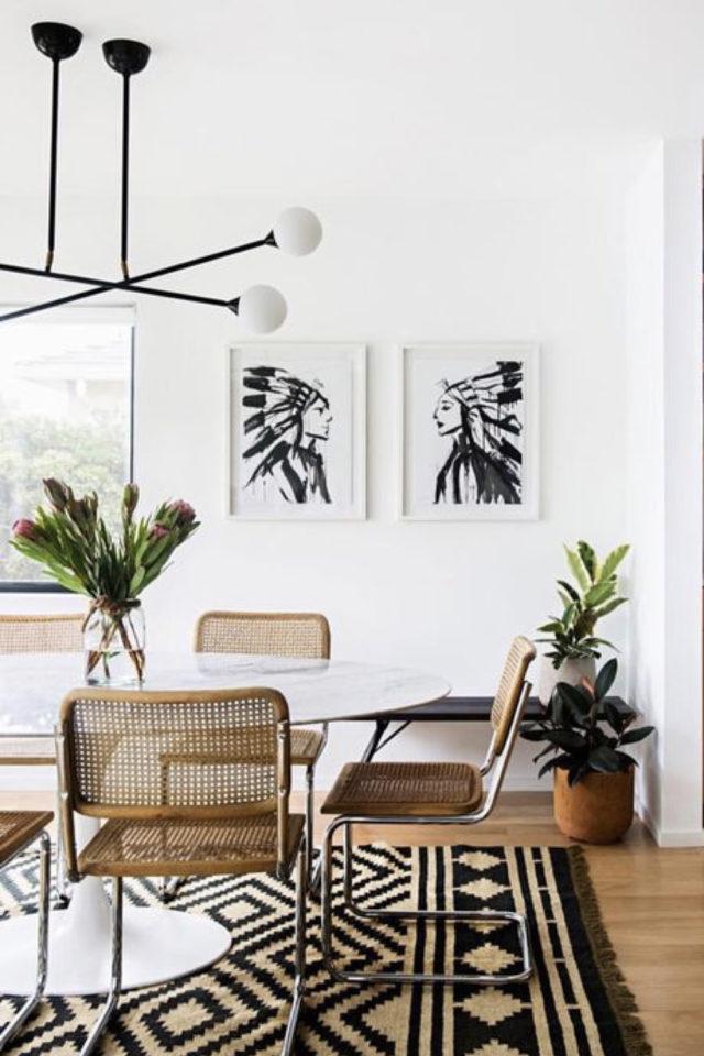 conseil choix table salle a manger chaise cannage tendance mur blanc espace lumineux