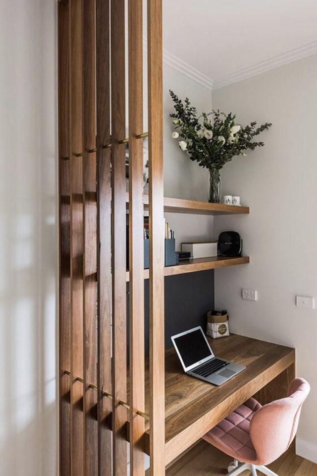 conseil deco amenagement claustras interieur coin bureau séparation cloison bois verni